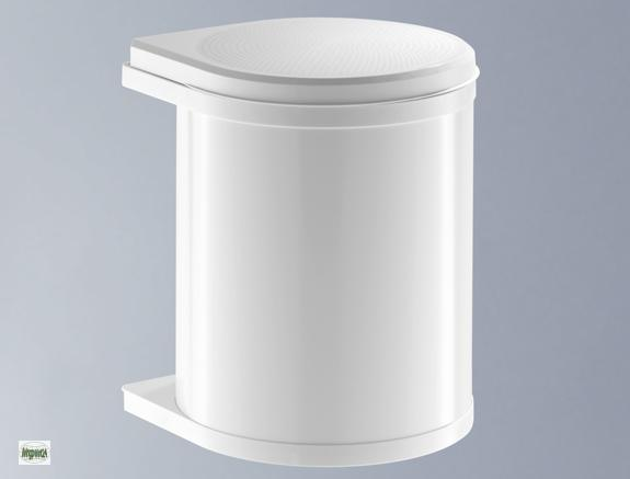 Versaute deutsche schlampe von nebenan fickt dicken schwant im badezimmer